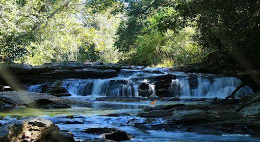 Ecran de veille gratuit cascades chute d 39 eau for Photo ecran veille gratuit